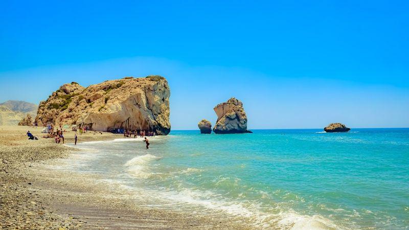 bbtravel-aphrodites-rock-and-beach