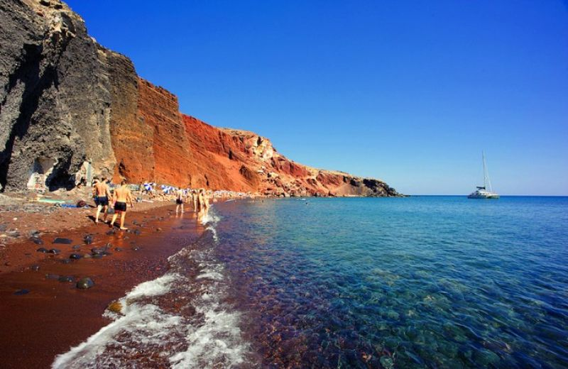 bbtravel-red-beach-santorini
